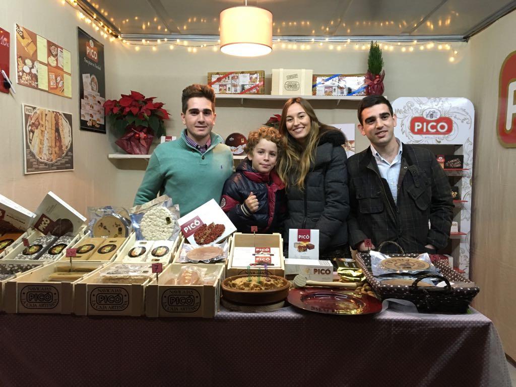Comprar turrón de Jijona en la Feria de Navidad