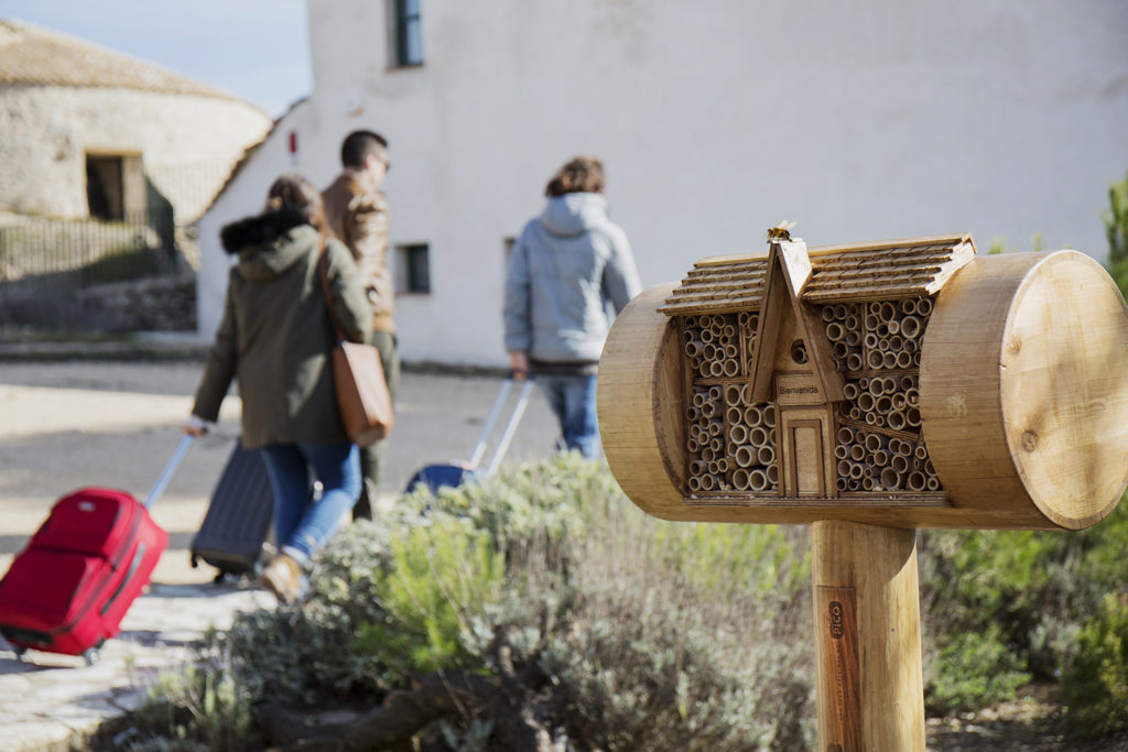 Bee&Bee hotel para abejas Turrones Picó